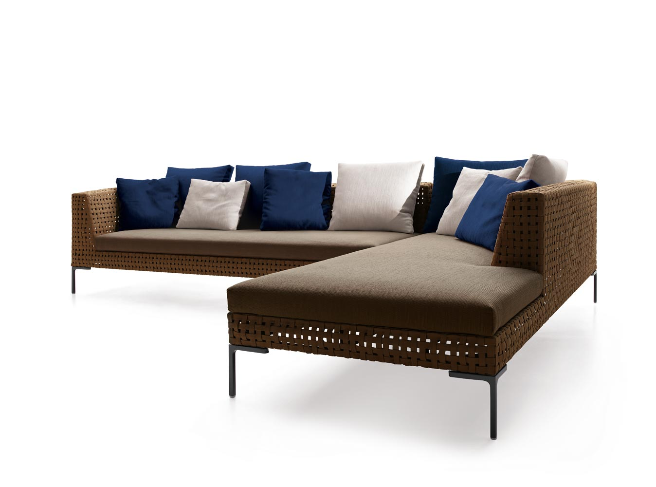 b b italia charles 3 seater sofa couture outdoor. Black Bedroom Furniture Sets. Home Design Ideas
