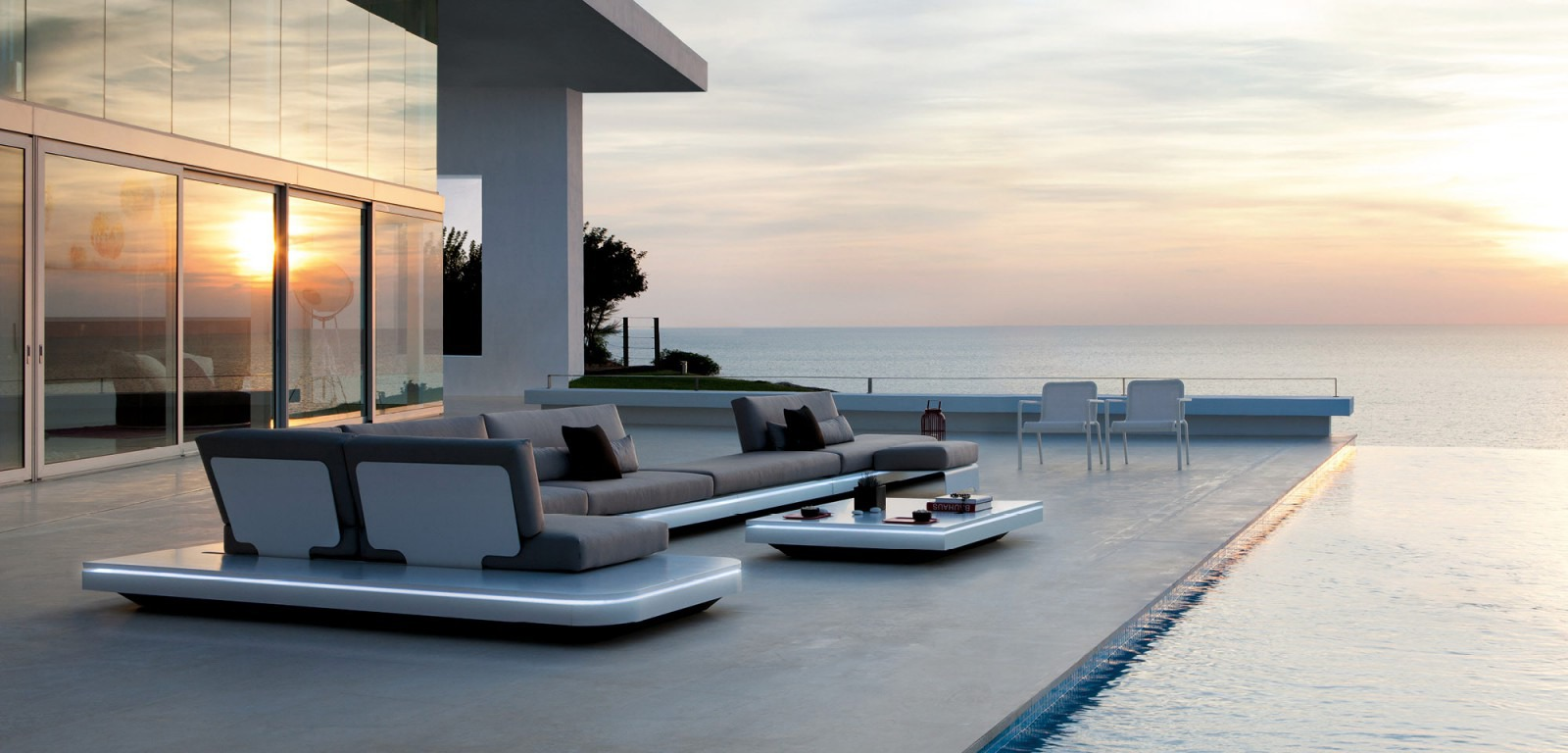 Manutti Elements Sectional Sofa Couture Outdoor
