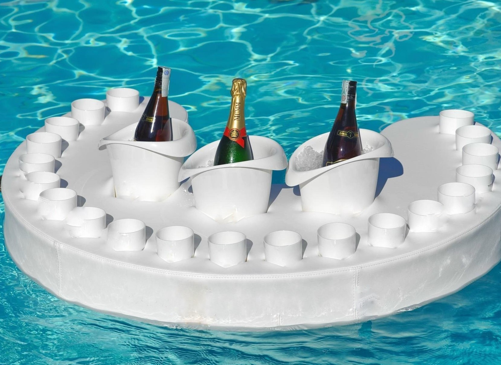 in pool floating bar - perfect for gatherings