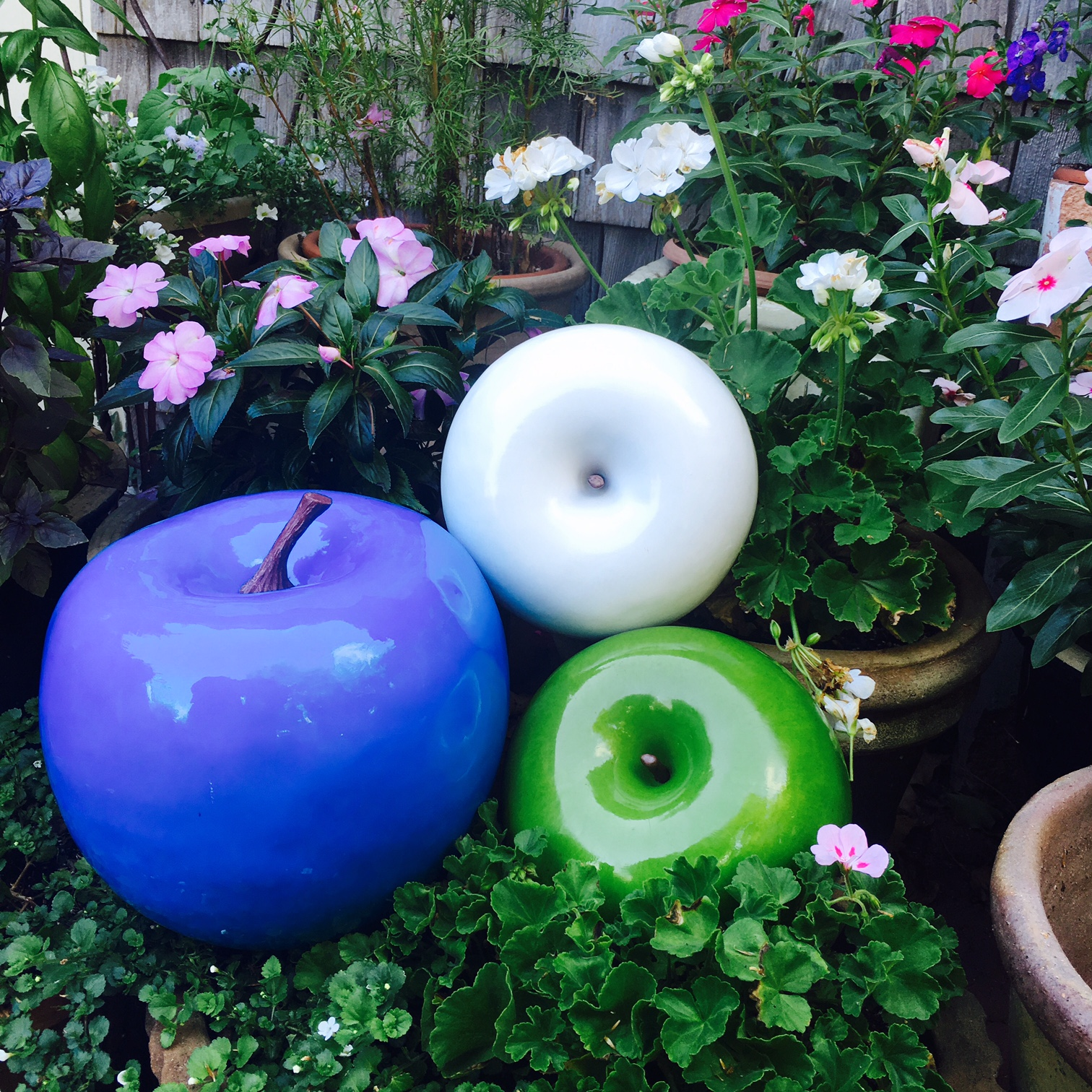Couture Outdoor Big Apple Decor Tabletop Accessories NY FL CA Design