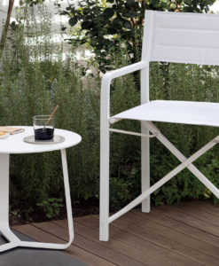 Manutti Rodial round side table perfect for small spaces. Made in an ultra robust powder coated aluminum designed to withstand the rigors of time.