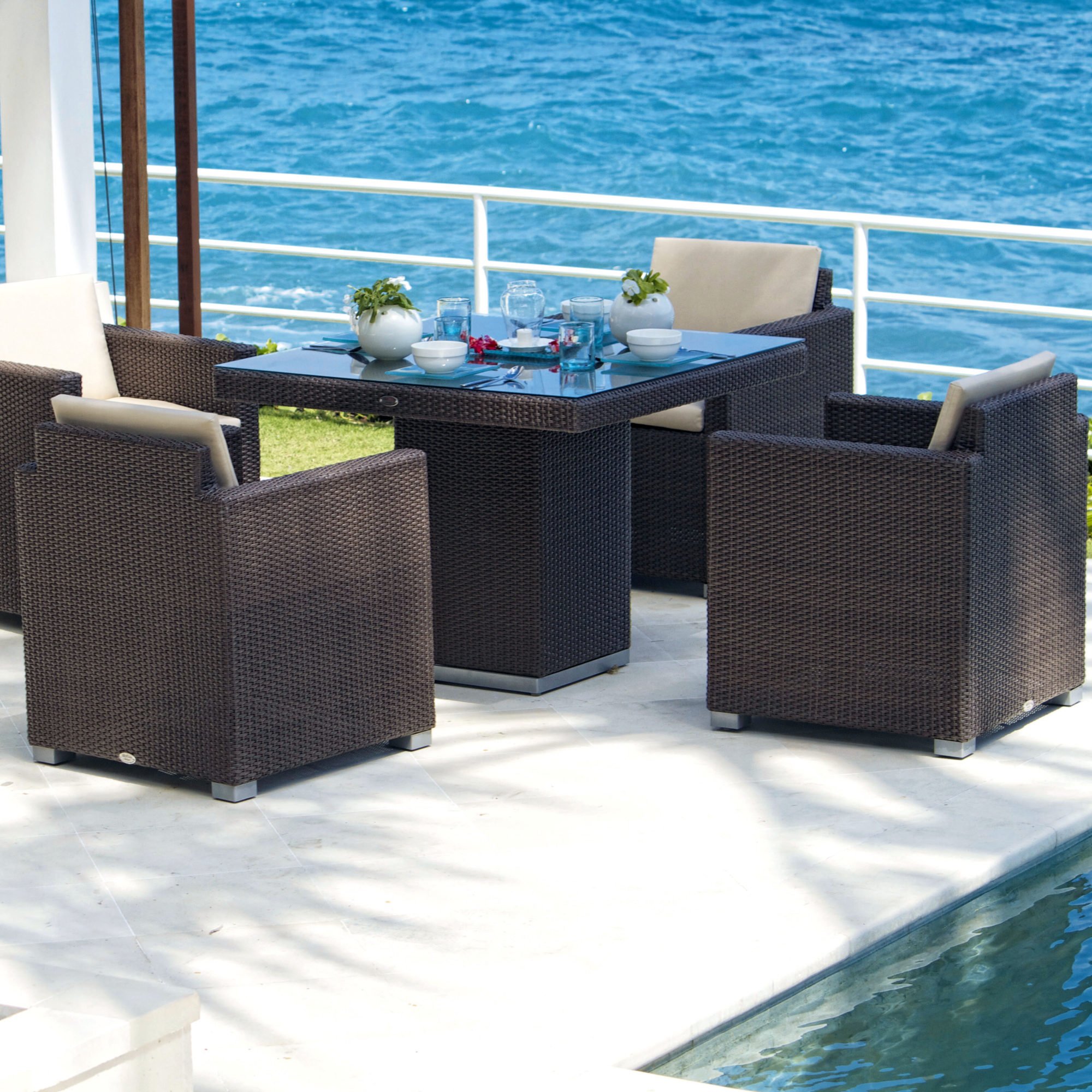 Skyline Pacific Dining Collection Couture Outdoor