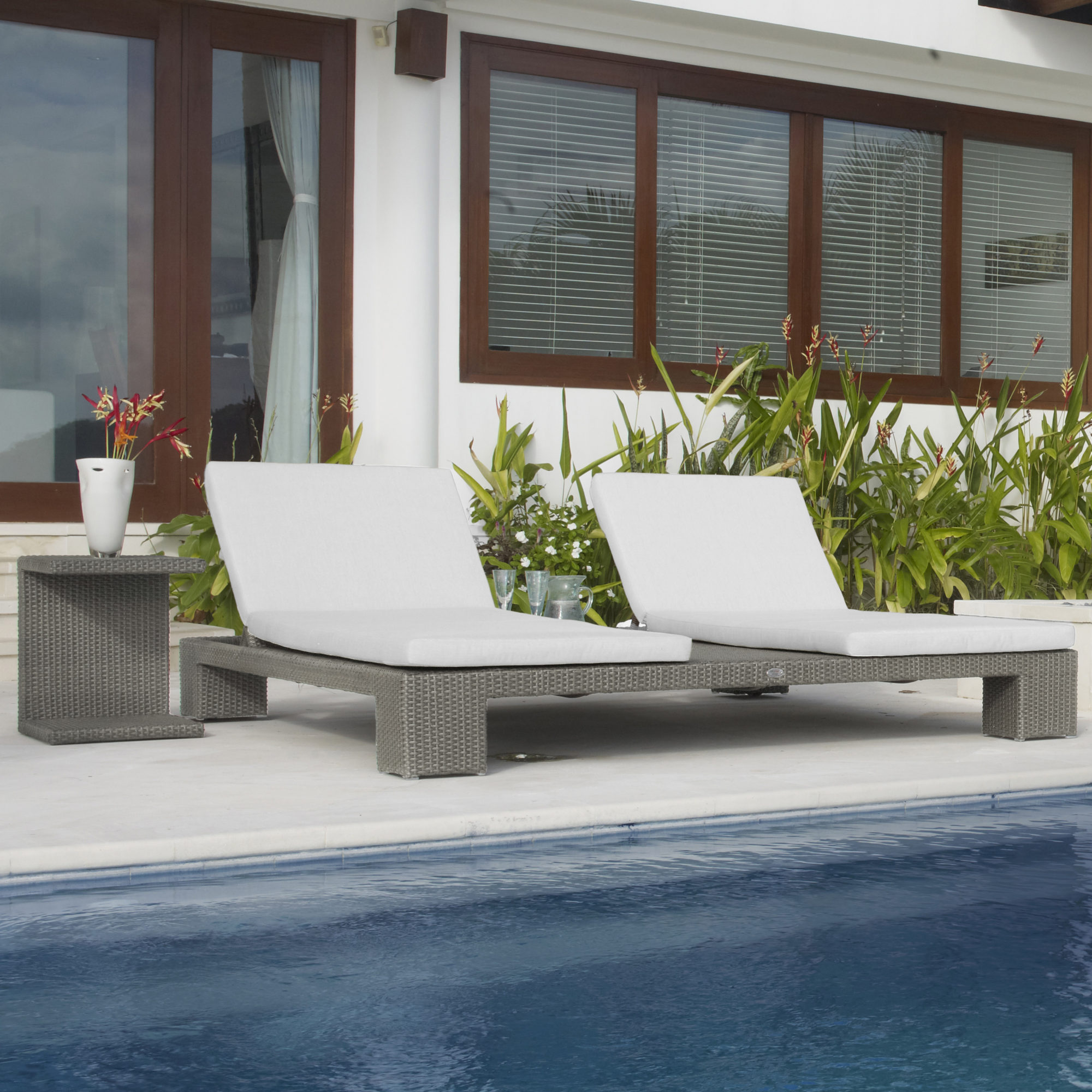 Skyline pacific double chaise lounger couture outdoor for Pacific home collection