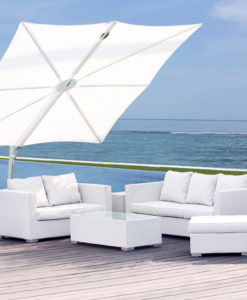 With 360 rotation, this multi position andadjustable umbrella gives off the perfect amount of shade for sitting poolside, or relaxing with loved ones.