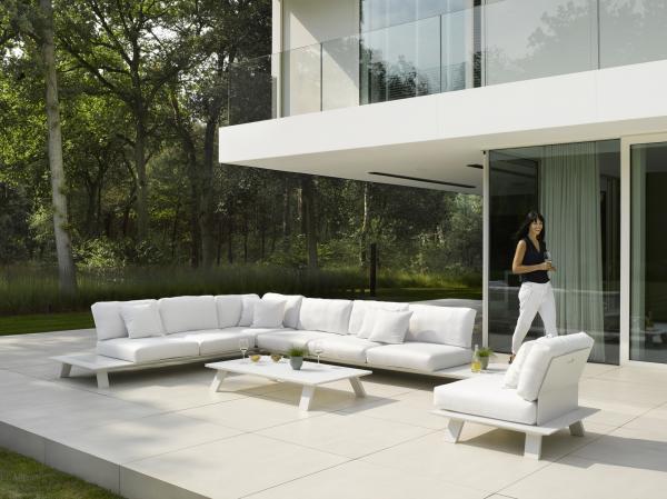 Dream Sofa Sectional Black White Modern Outdoorcontract Hospitality Hotel Restuarant Beach Club House Miami Fl Hamptons