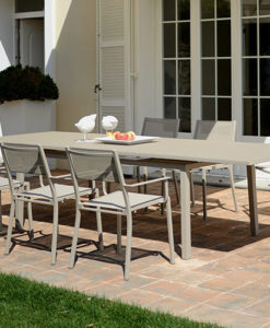 This extendable table accommodates to your needs. Whether you having a small dinner or a holiday party, seating room will no longer be a worry with its features.