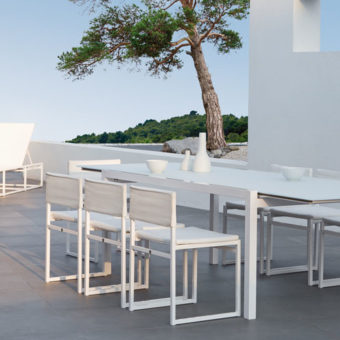 aura luxury extendable dining table
