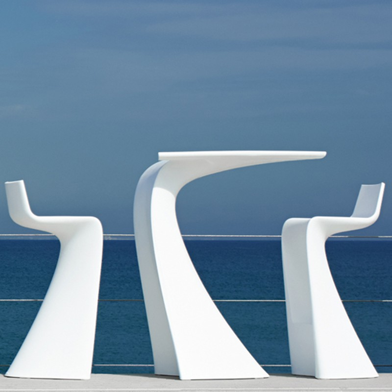 Modern High Wing Plastic Bar Table Beach Front Contract