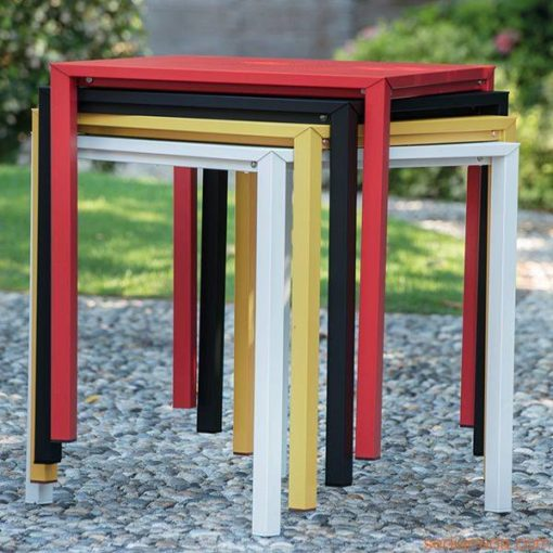 1300-1501a_Quadro_Modern_Side_Table