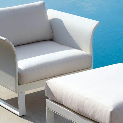 3100-1400a_Aura_Modern_Outdoor_Club_Chair