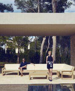 Modern Plastic Frame Sectional Sofa