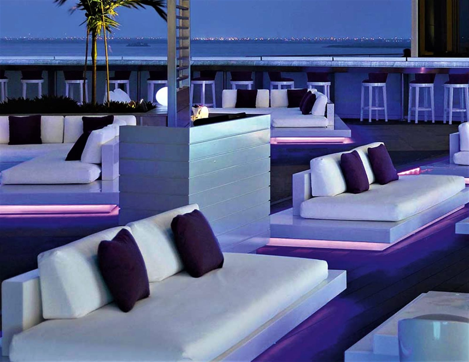 Air Platform Sofa Led Lights By Rausch Couture Outdoor