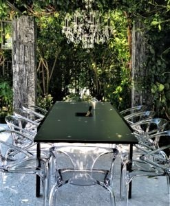 champagne dining table