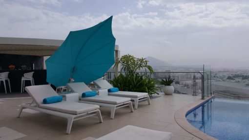 hotel modern umbrella cantilever 360 contract icarus ocean beach club European design Residential Contract