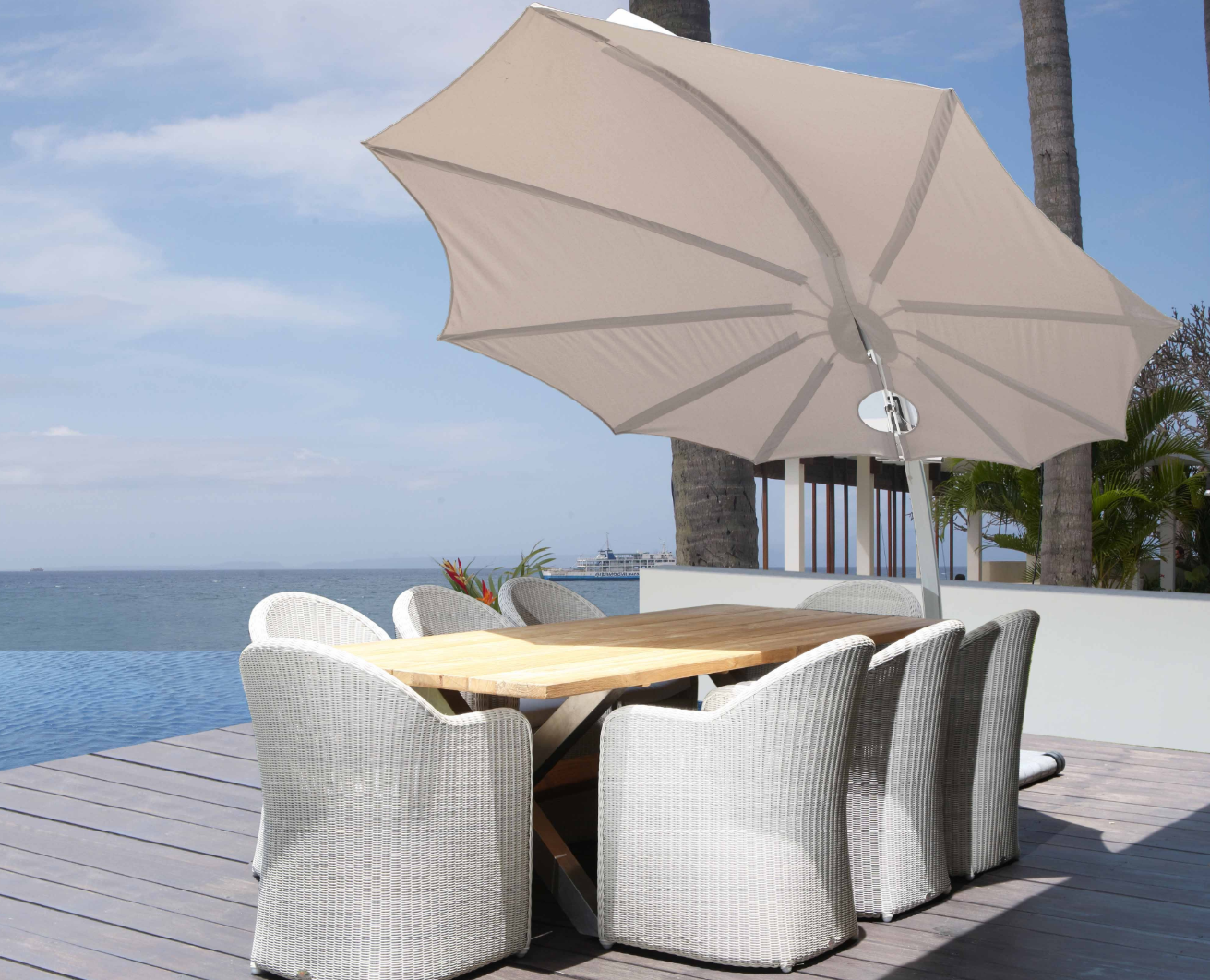 Bloom 360 Rotation Modern Luxury Umbrella Turning Cantilever