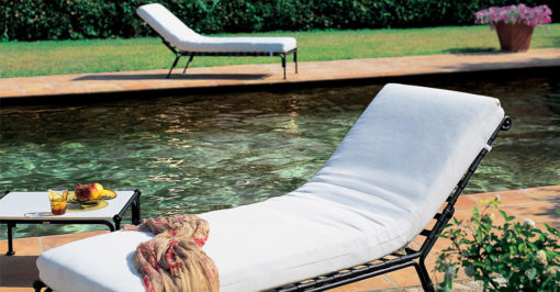 3500-1401a_Contemporary_Black_Chaise_Lounger