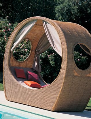 3600-2800a_Contemporary_Daybed