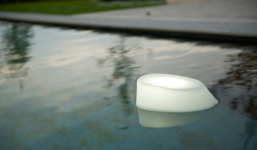 Multifunctional outdoor LED lights are amazing, If you want them in the pool are under your umbrella. The possibilities are endless.
