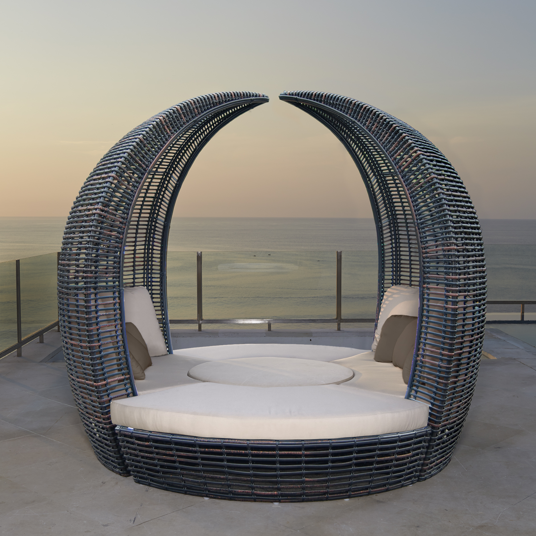Skyline Halo Daybed Couture Outdoor