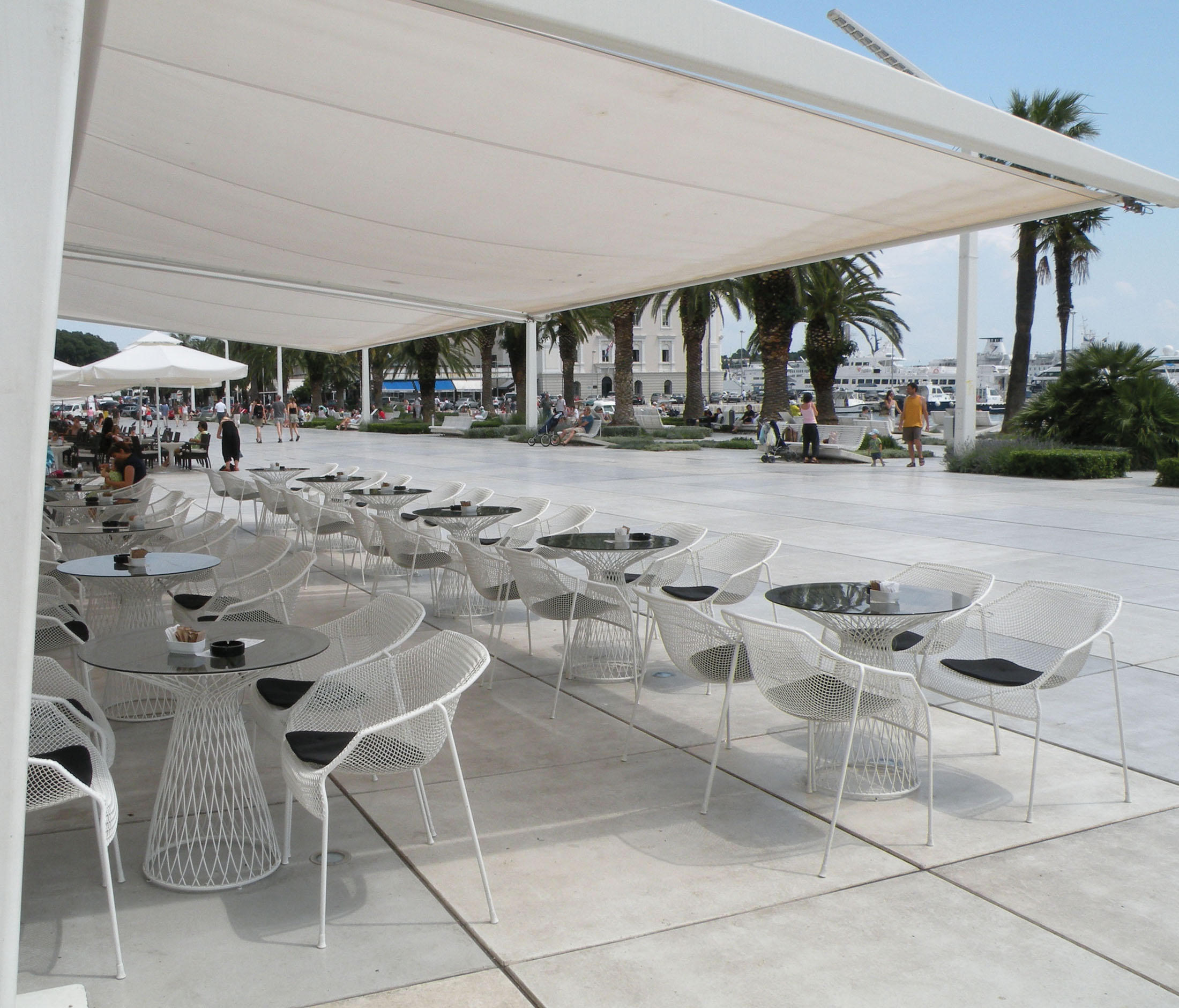 Pleasing Cielo Dining Table Couture Outdoor Gmtry Best Dining Table And Chair Ideas Images Gmtryco