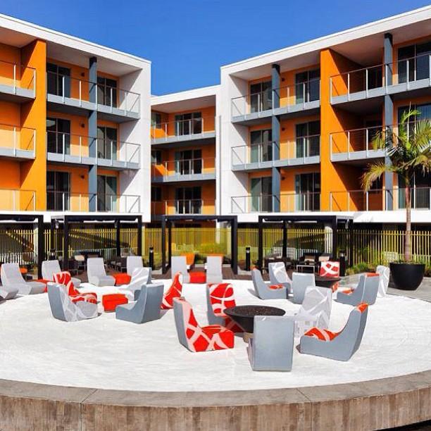 Modern_1_Restaurant_Hospitality_Commercial.
