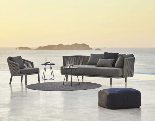 Modern_Outdoor_Lounge_Area-1
