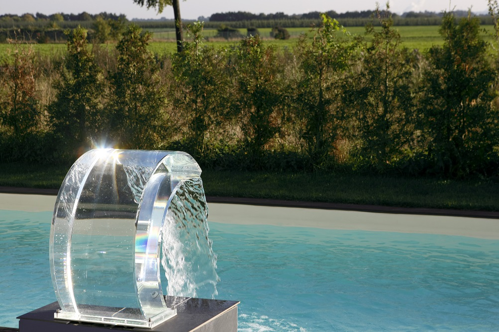 Acrylic Glass Pool Fountain With Led Features Couture