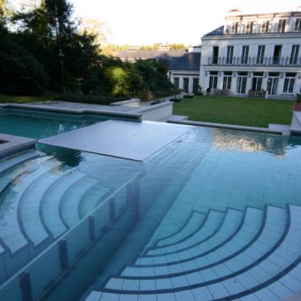 Automatic Floor System Free Form Pool Cover