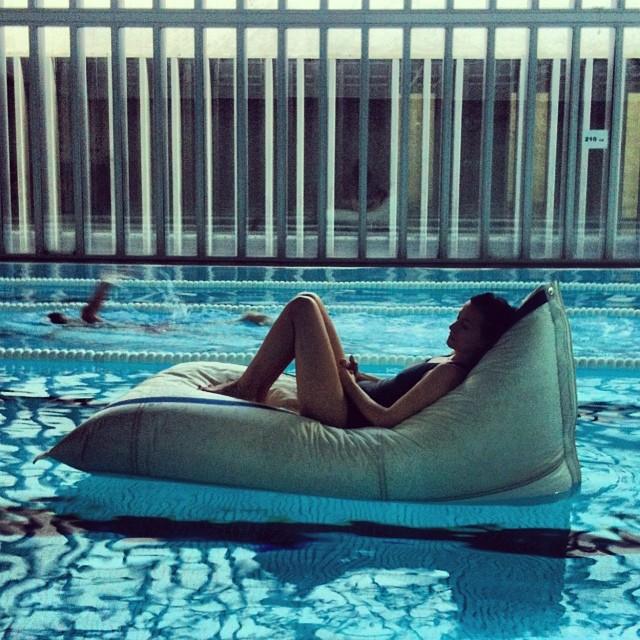 Magnificent Dvelas Genois Floating Bean Bag Unemploymentrelief Wooden Chair Designs For Living Room Unemploymentrelieforg