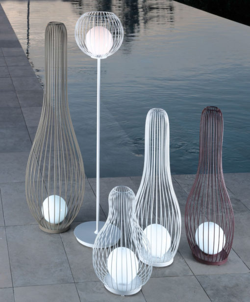 Titus_Outdoor_Lamp_Collection_a