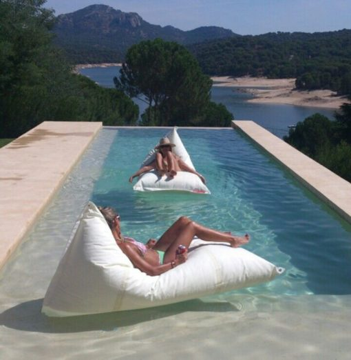 Genois Floating Outdoor Bean Bags dvelas