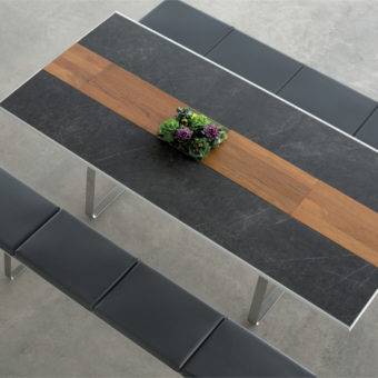 Champange dining table – black
