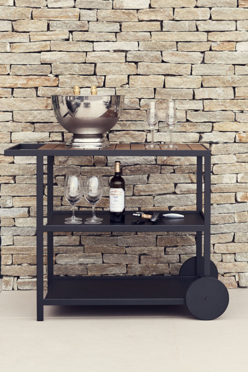 Outdoor trolley made from high quality materials so it is very durability. It has a modern design while still having a classic feel. Perfect forstorage.