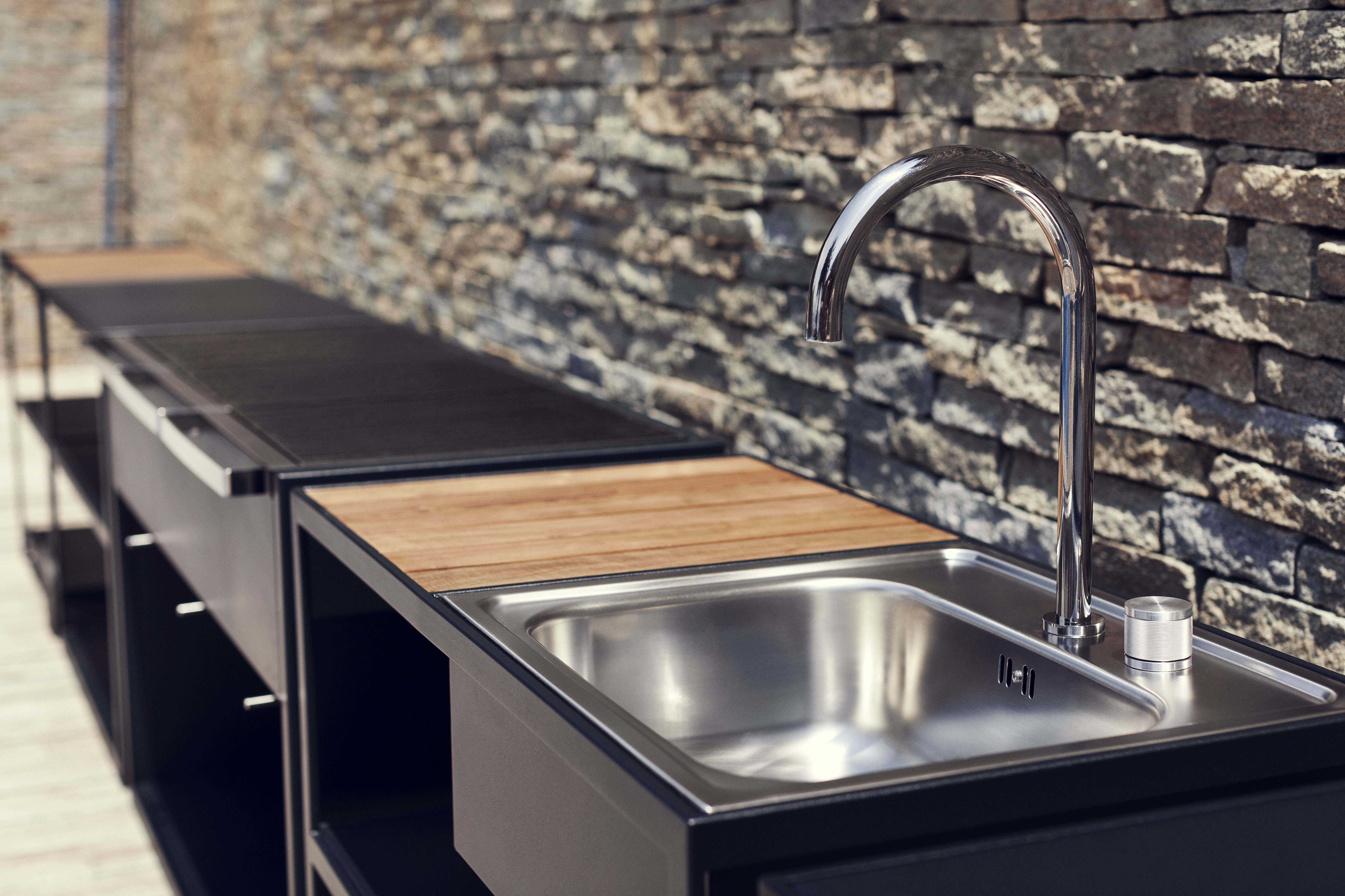 Garden Ease Custom Grill & Modular Modern Outdoor Kitchen