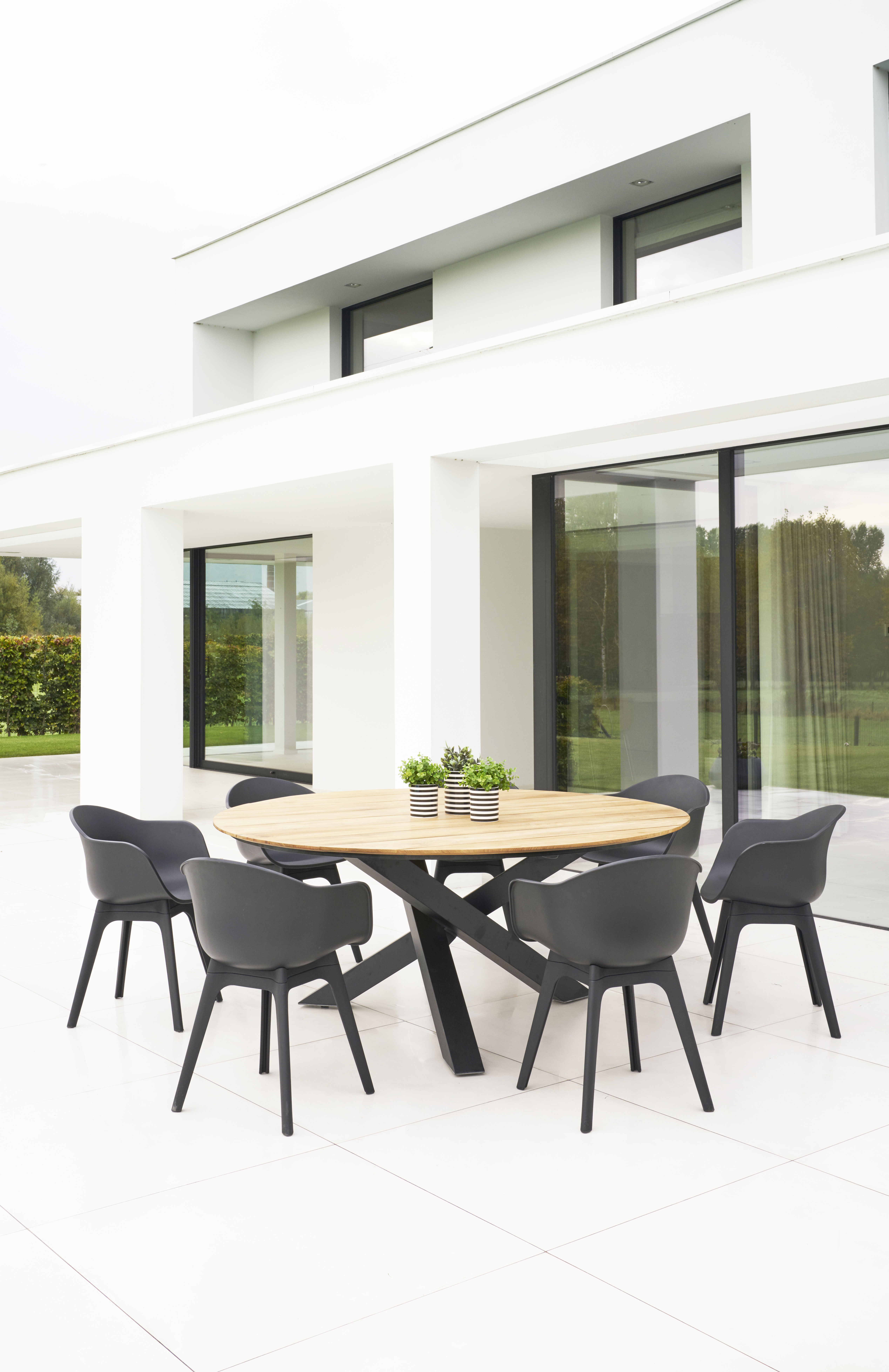 Modern Black White Polypropyleen Dining Chair Contract