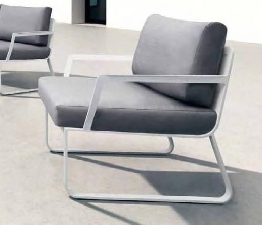 Averon contemporary modern louunge club chair contract hospitality hotel restuarant beach club house miami fl hamptons ny los angeles ca