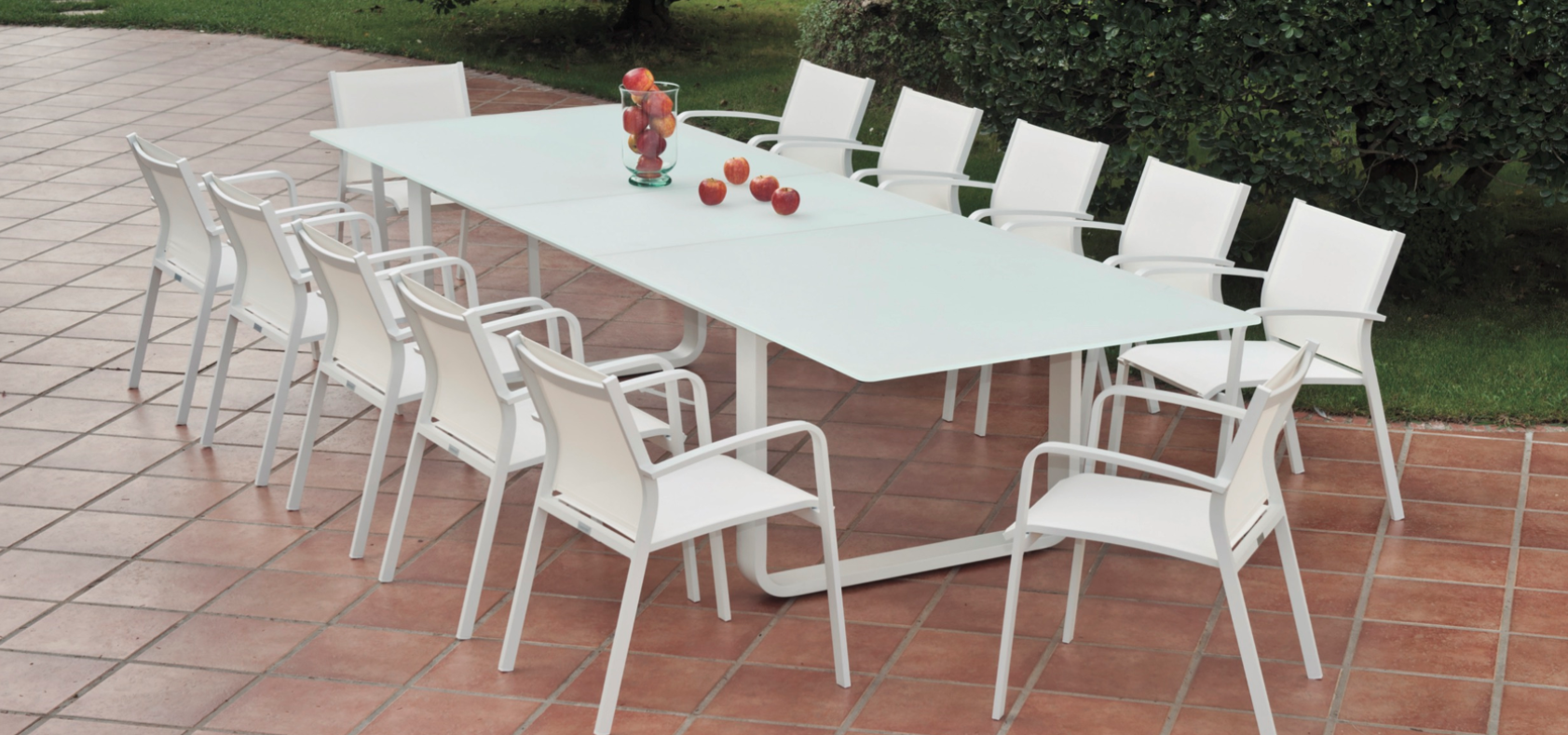 Averon Contemporary Modern Outdoor White Gl Extendable Dining Table 12 People Contract Hospitality Hotel Restuarant Beach