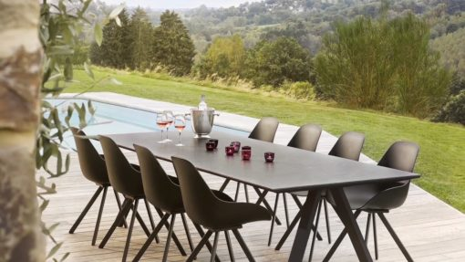 Dream dining table moddern outdoor furniture