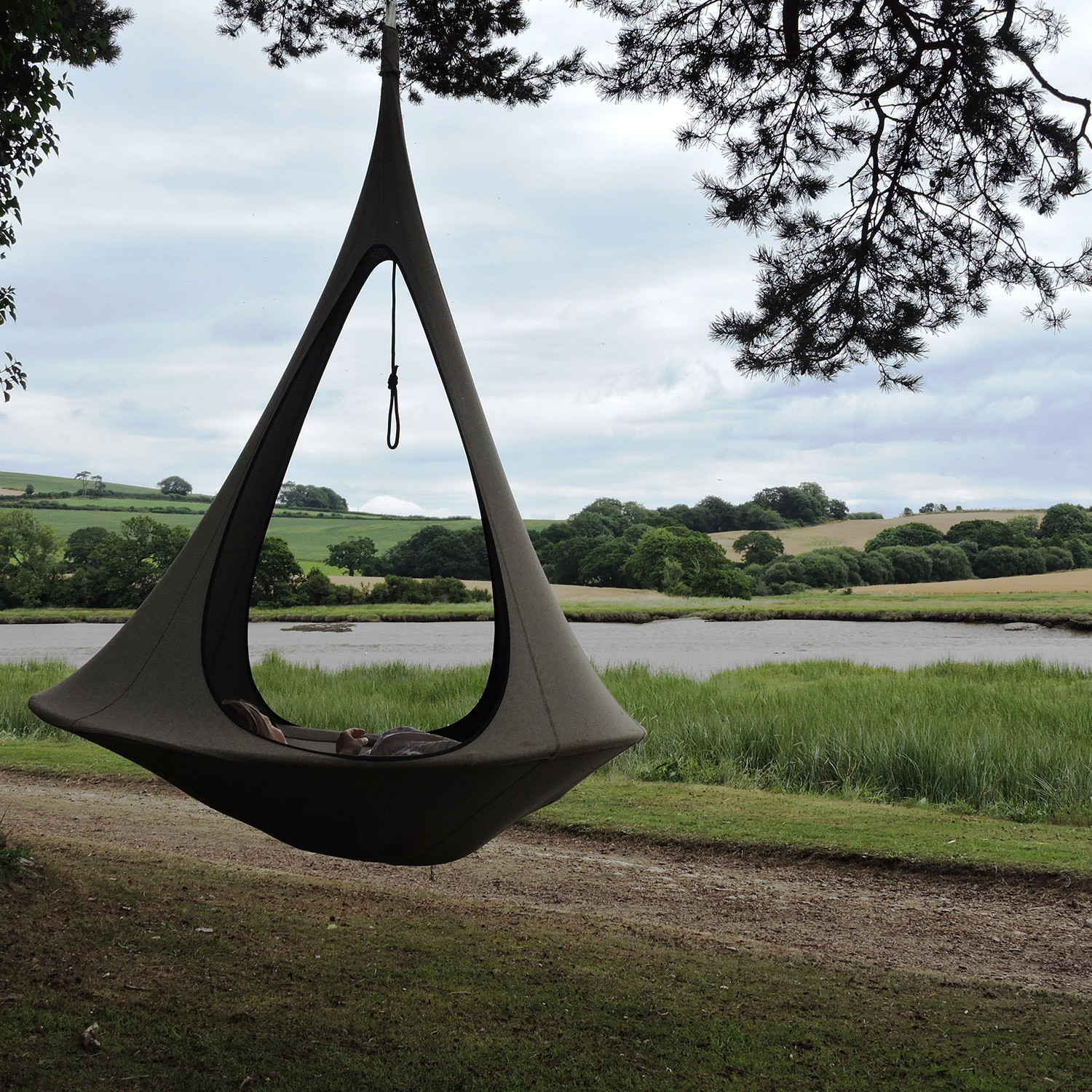 Tipi Modern Swing Hammock 2 Couture Outdoor