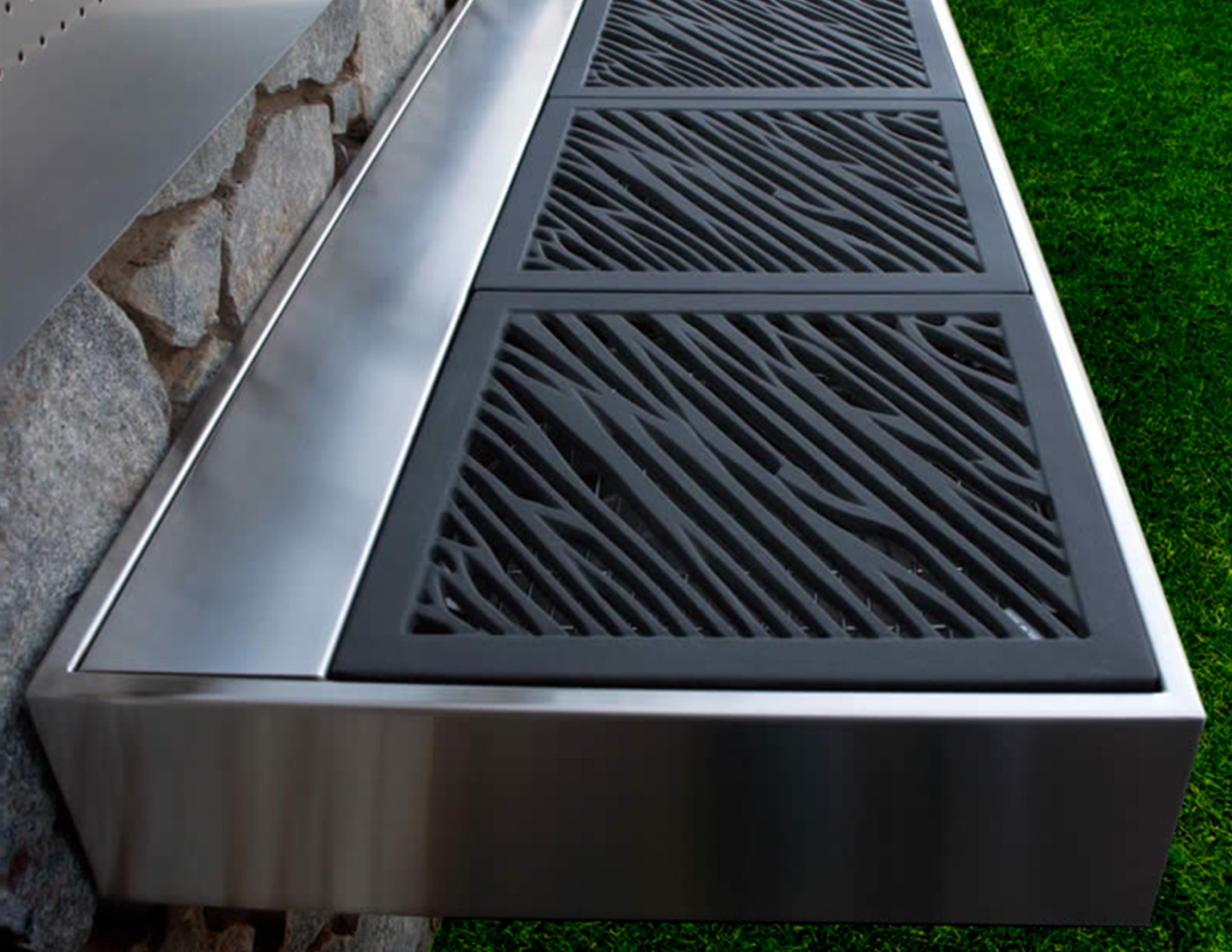 Sleek Cantilever 2 Bbq Charcoal Grill
