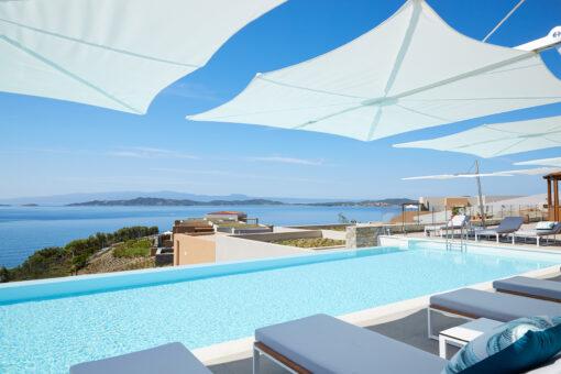 modern pool umbrella cantilever 316 360 contract boutique hotel restaurant lux home design award