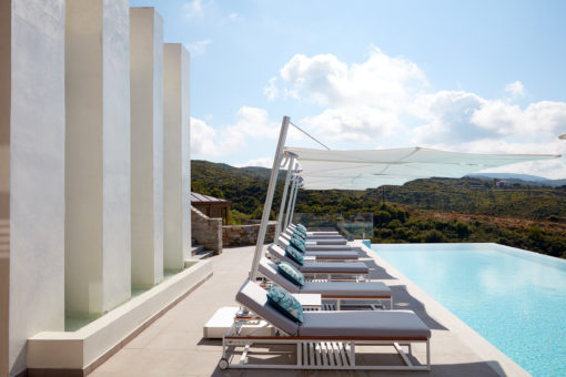 modern pool umbrella cantilever 316 360 contract hotel hospitality luxury home