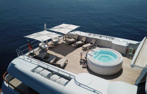 Hudson Luxury Yacht Furniture Umbrella Duo Tilt Marine Grade Modern High end Design Yacht Life