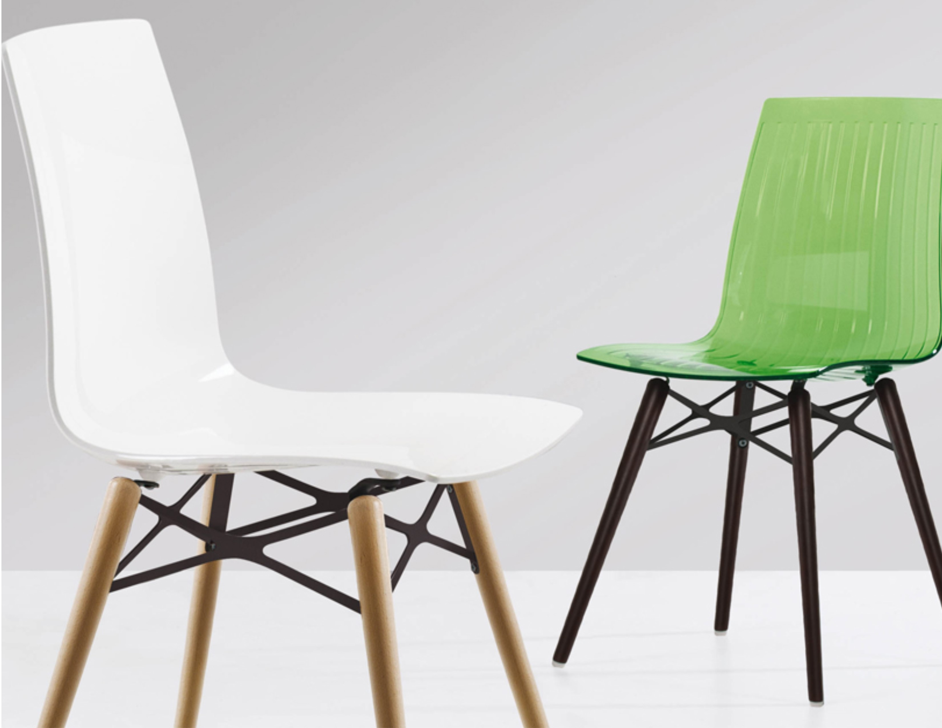 Auteur Dowel Leg Molded Chair Transparent Matte Shiny Gem