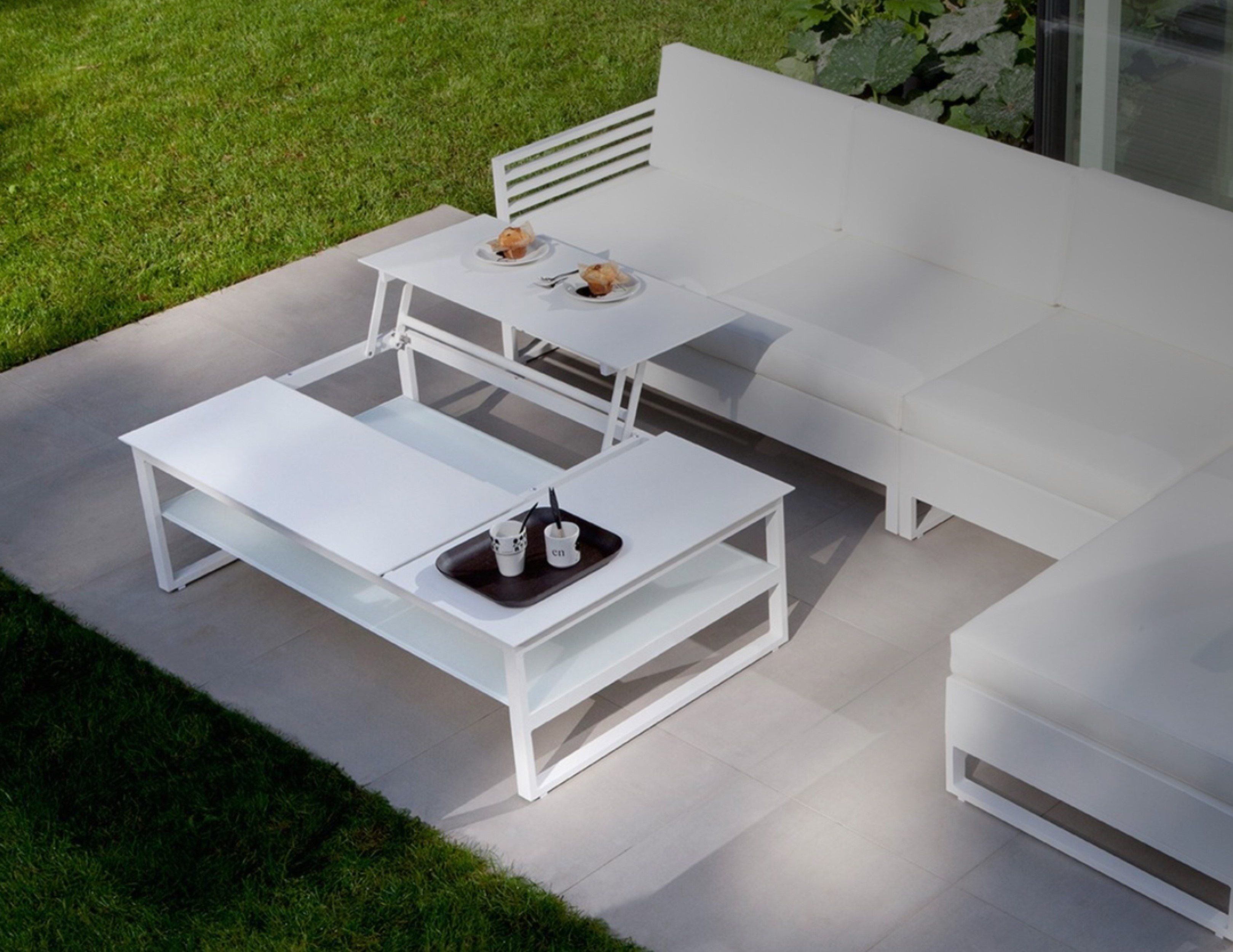 Pop Up Coffee Table.Bonn Pop Up Tray Coffee Table Metro Couture Outdoor