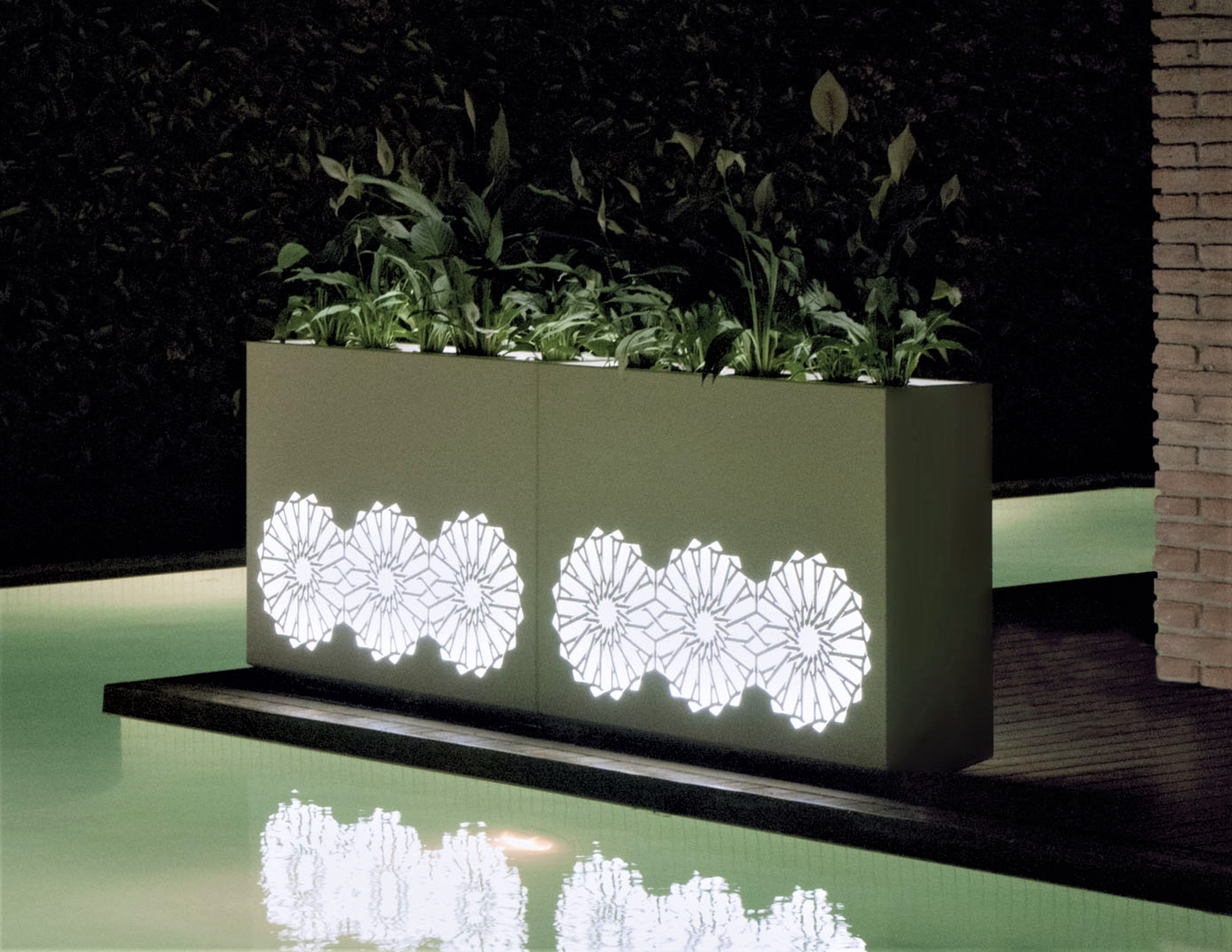 Sunflower Illuminating Separation Wall Stainless Steel