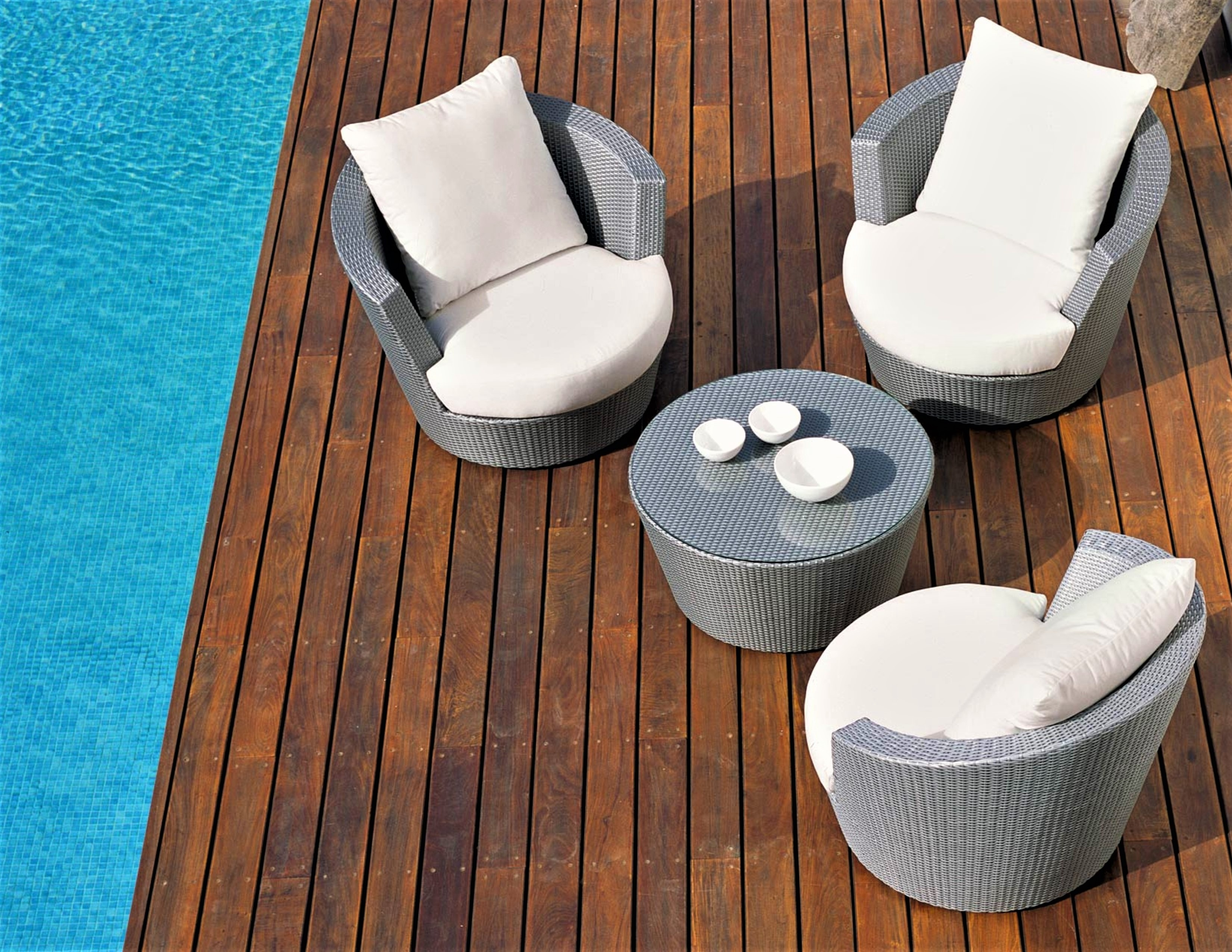 Eden Roc Swivel Club Chair by Rausch - Couture Outdoor