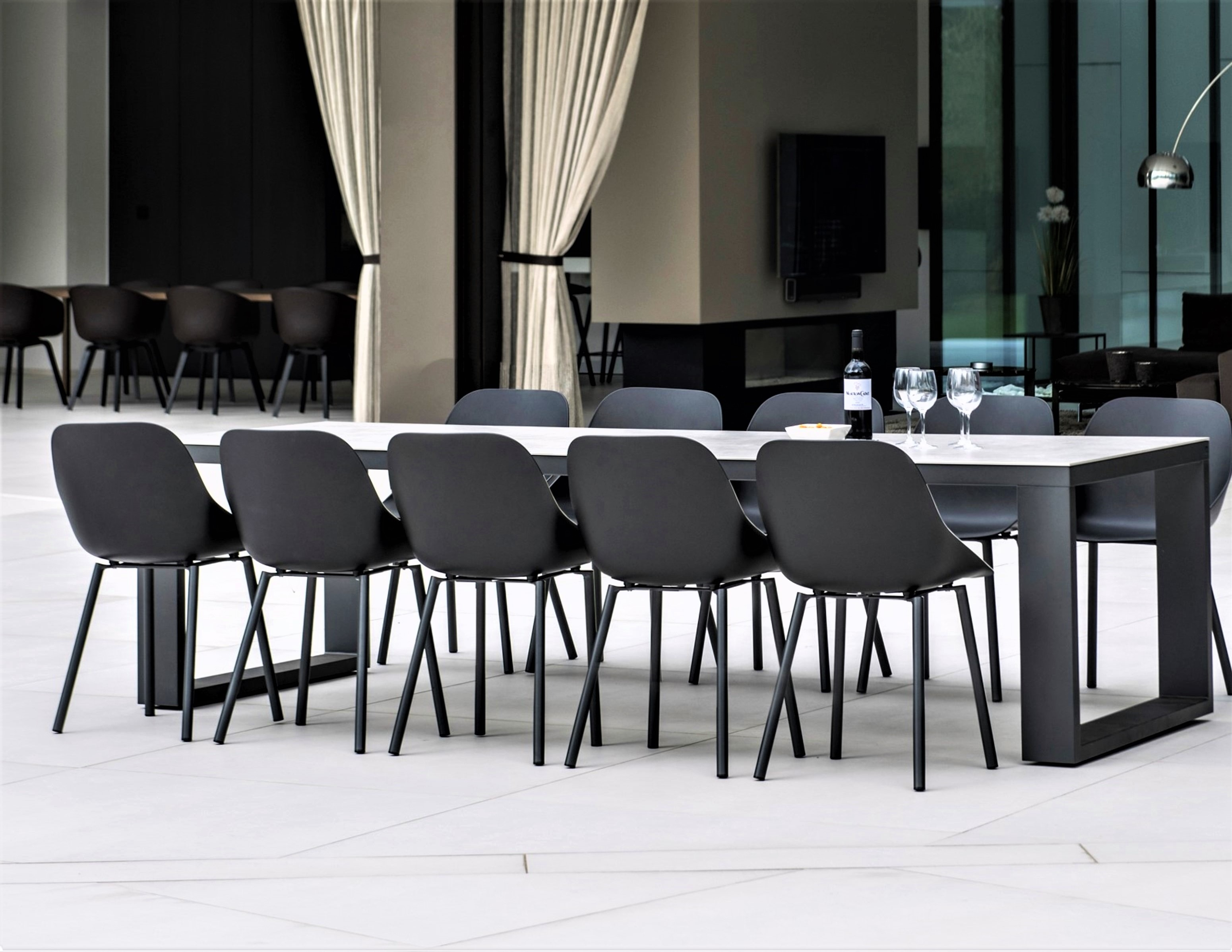 Abonne Carrara Ceramic Extendable Dining Table - Couture Outdoor